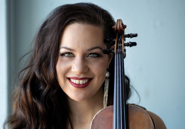 Lotta Marie Violinist on SoundBetter