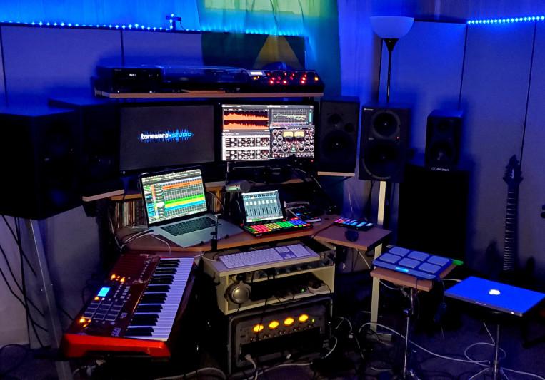 Tonewarp Studio on SoundBetter