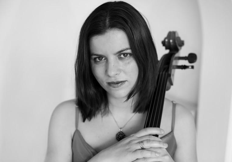 Evva, London session cellist on SoundBetter