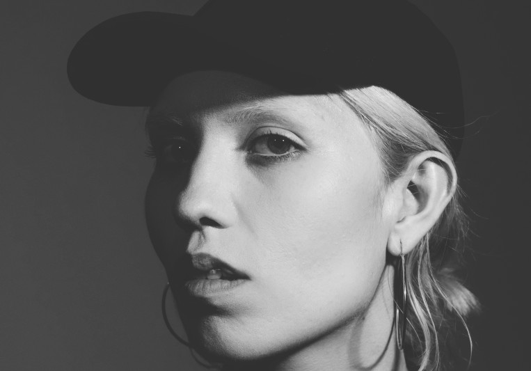 Joulie Fox on SoundBetter
