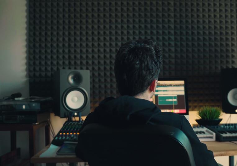 AdiStudio on SoundBetter