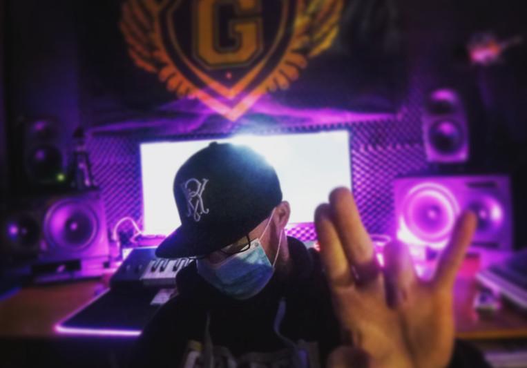 VR GoldenMusic on SoundBetter