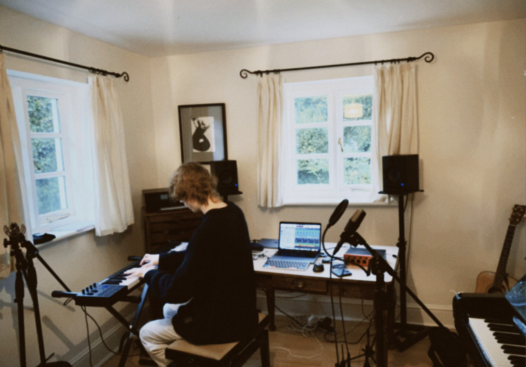 Sam Hodder on SoundBetter