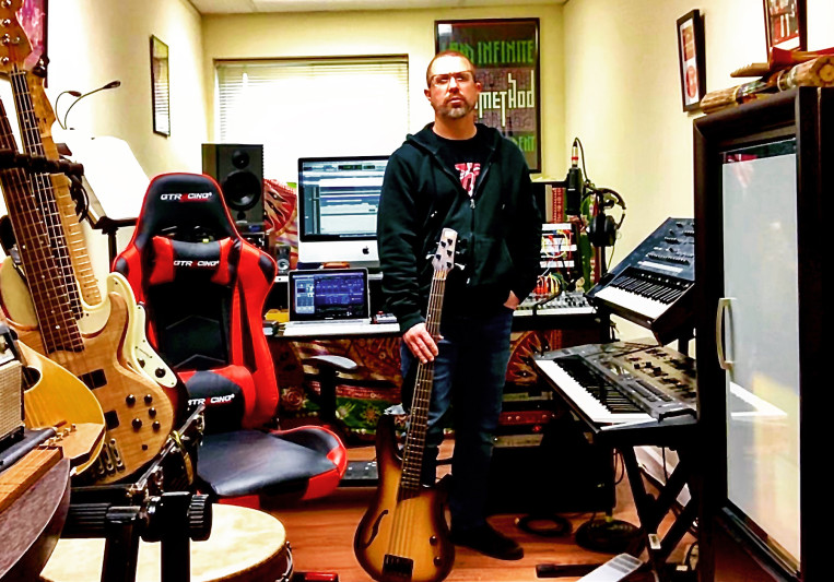 Chuck Hillwig on SoundBetter