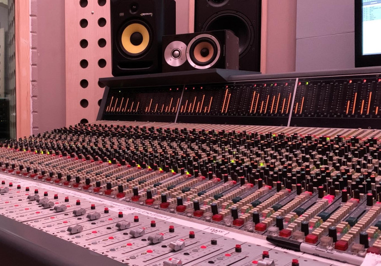 Headline Music Studios on SoundBetter