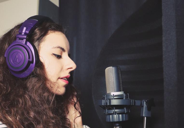 Holi Mony ( Morgane Bagnouls ) on SoundBetter