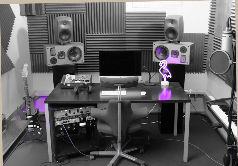 Coloso Studio on SoundBetter