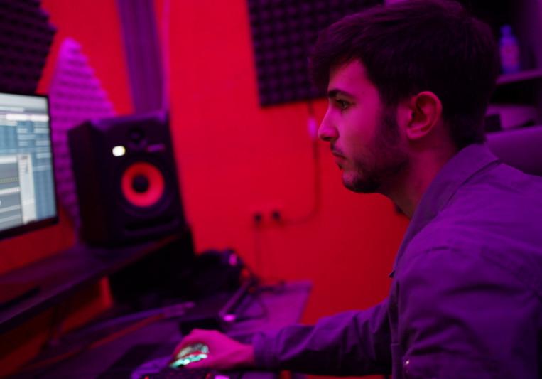 Wave Sound Music on SoundBetter