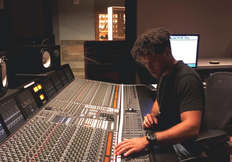 JM Ferreiras on SoundBetter