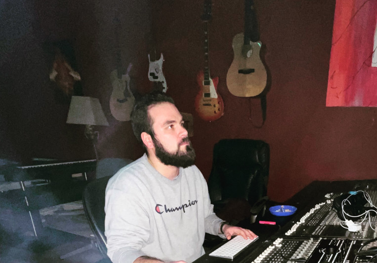 MixedByLoco (GetFreshStudio) on SoundBetter