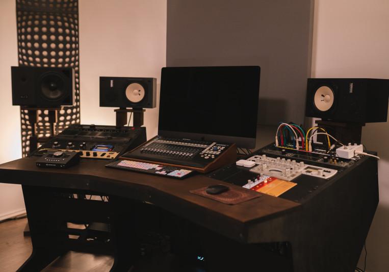 Dustin Scheid/Carbonara Studio on SoundBetter