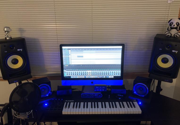 DJ Lampshade on SoundBetter