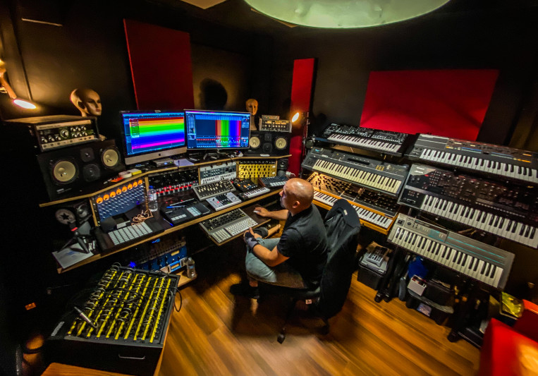 Andro Martinez on SoundBetter