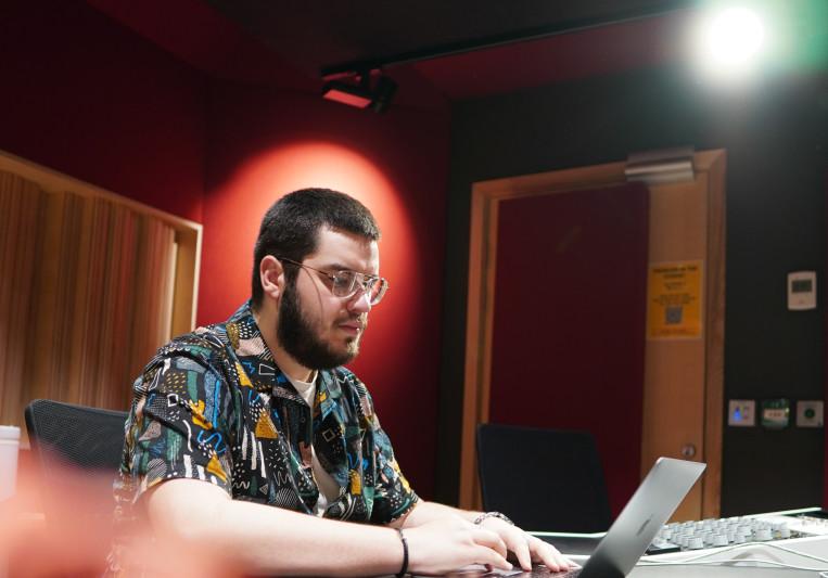 Nathan Lynch on SoundBetter