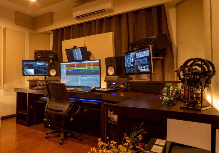 Crukces Studio on SoundBetter