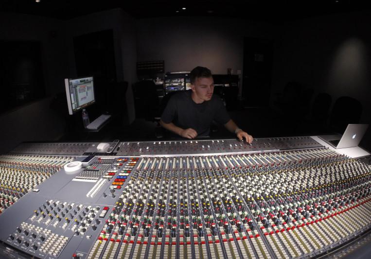 Travis Schofield on SoundBetter