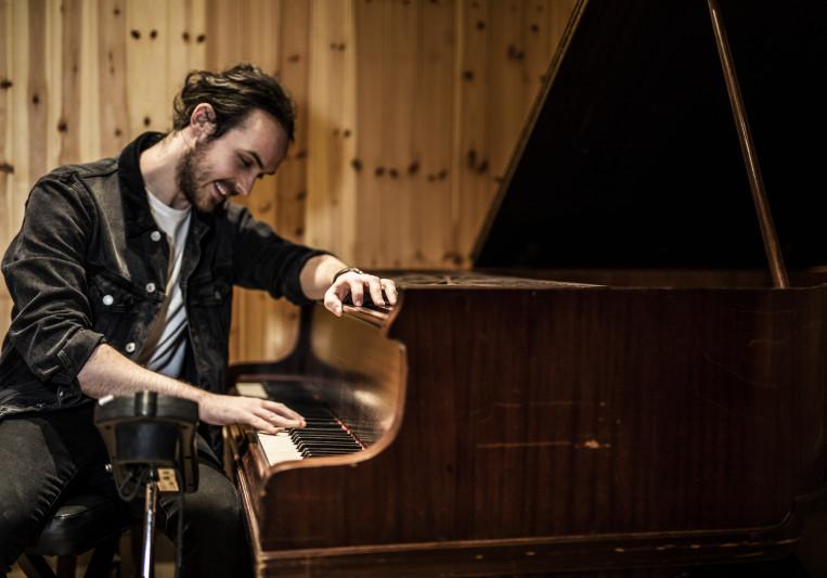 Aidan Thompson on SoundBetter