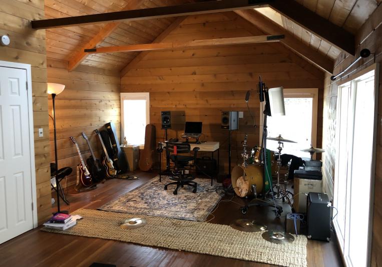Lonely Moon Studios on SoundBetter