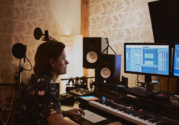 John Rickardo Music Production on SoundBetter