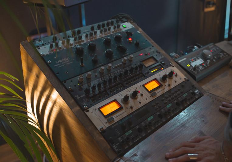Pleiadi Studios on SoundBetter