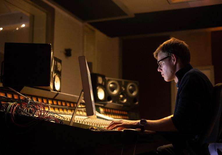 Fretless Audio on SoundBetter
