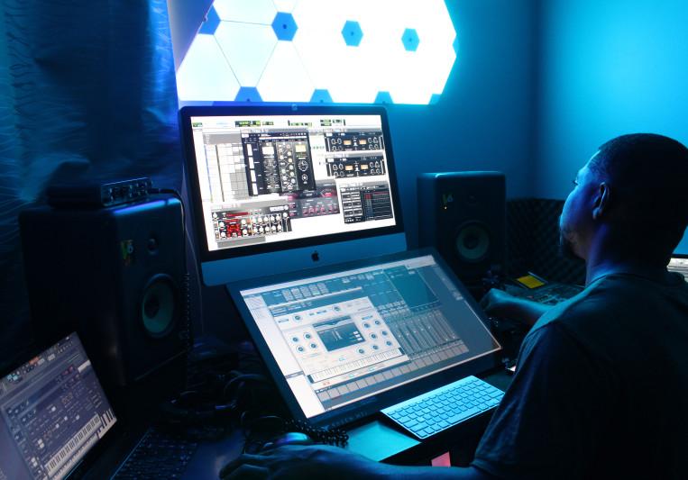 Davd Daze Music on SoundBetter