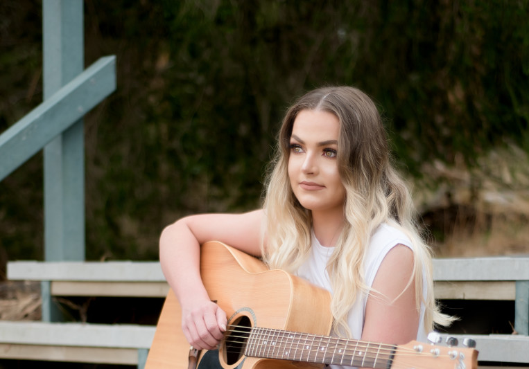 Sarah Hyde Music on SoundBetter