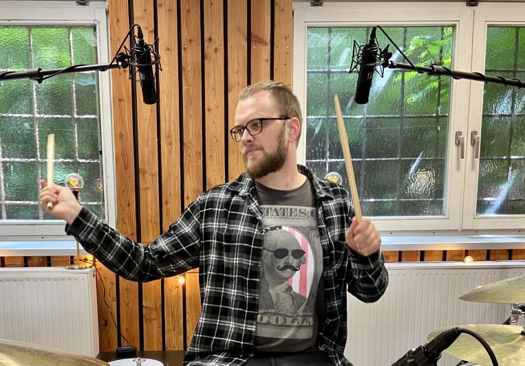 Unique Drums on SoundBetter
