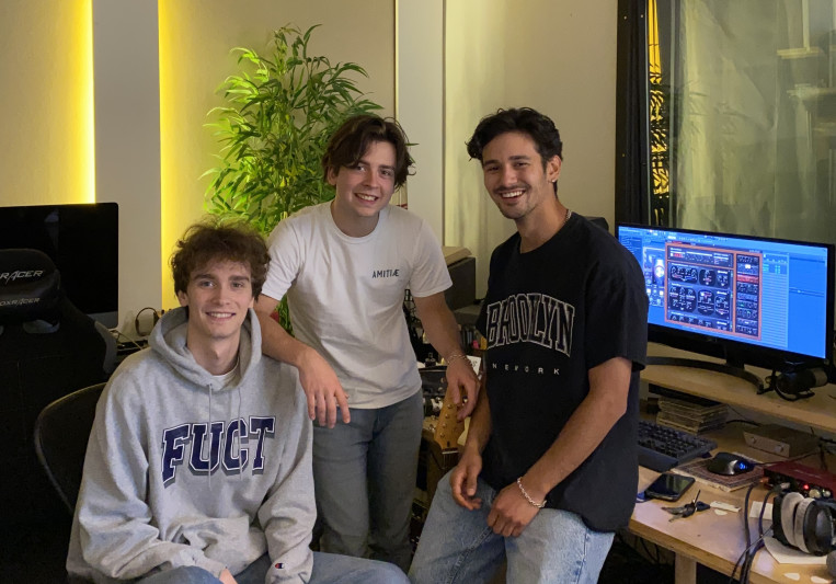 Studio33 on SoundBetter