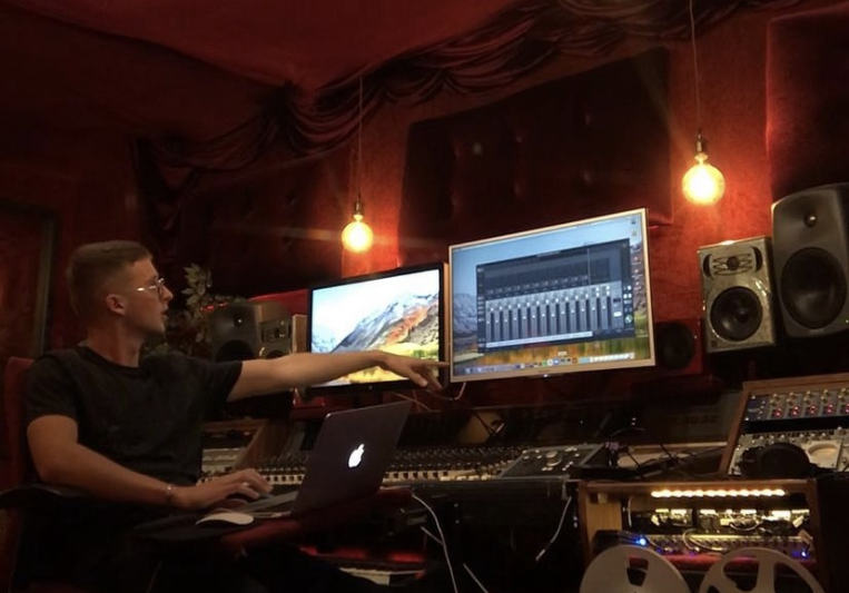 Miles Jacobs on SoundBetter