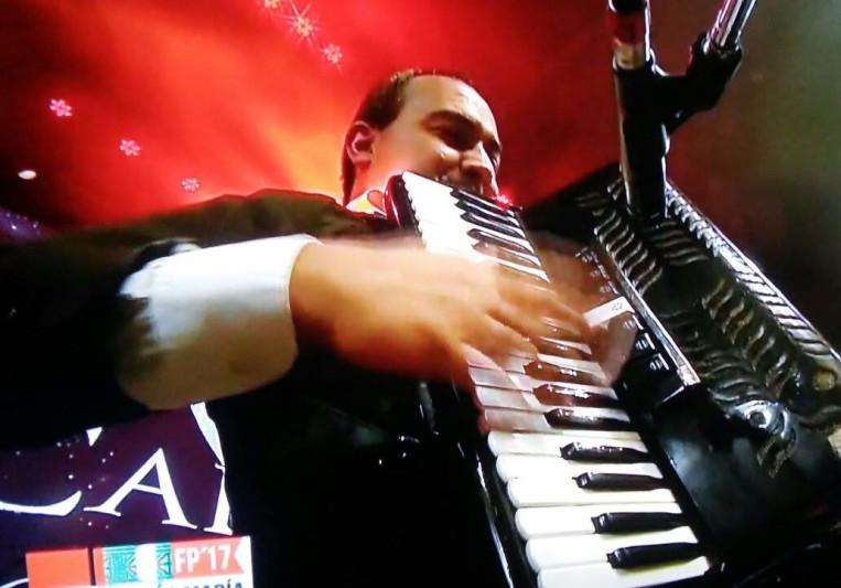 SANTIAGO LLANES on SoundBetter