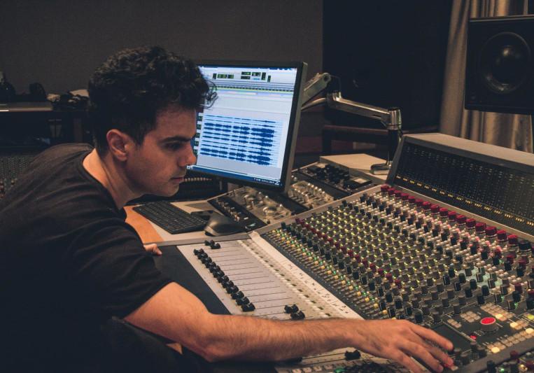 Shahar -Introspection studio on SoundBetter
