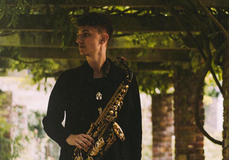Alex Bone (Saxophone) on SoundBetter
