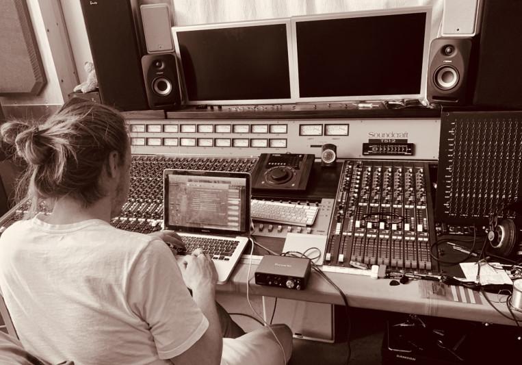 Pieter van Vleuten on SoundBetter