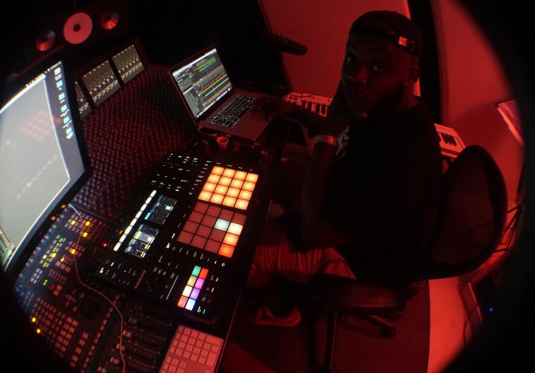 Robby Andrew Robinson on SoundBetter