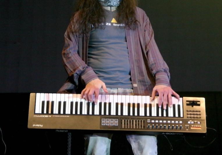Victor Santafe on SoundBetter