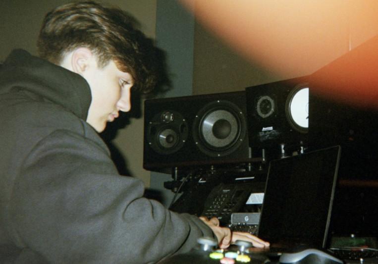 Jewels (Spencer Gilbert) on SoundBetter