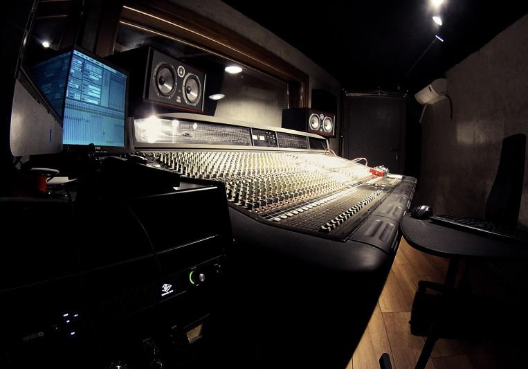 Canavar Studios on SoundBetter