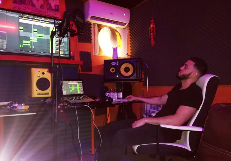 Young Dezz El Imperio on SoundBetter