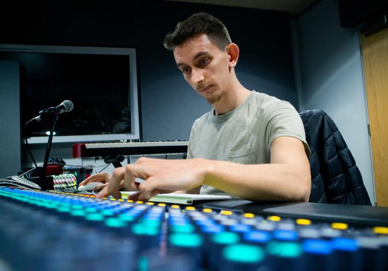 Alvinos Zavlis on SoundBetter