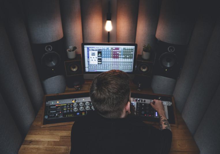 Colin Brain   Sticks Studio on SoundBetter