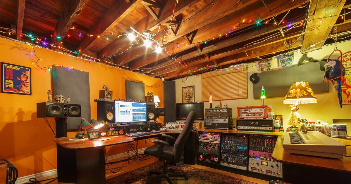Uplift Recording Studio Producer Mixer Engineer