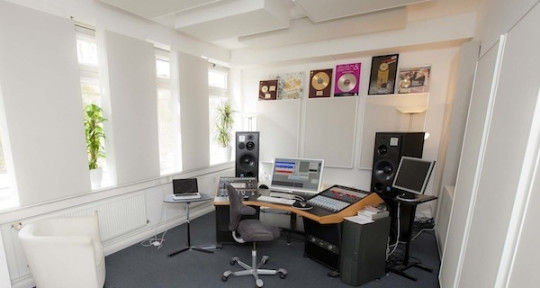 Photo of H-PEH Mastering