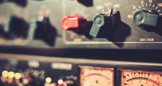 Photo of Shareiff Robinson Mixing