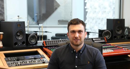 Photo of Ryan Mackay