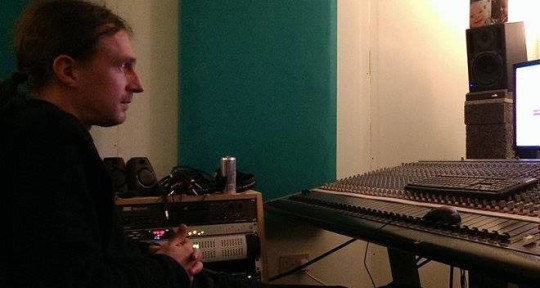 Photo of Dave Merry Bleeding Ear Studio