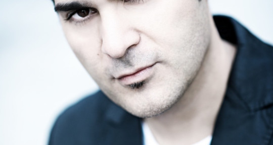 Photo of Singer Fabrizio Levita