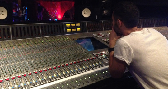 Photo of Ervin Ablaev (MIXING ENGINEER)
