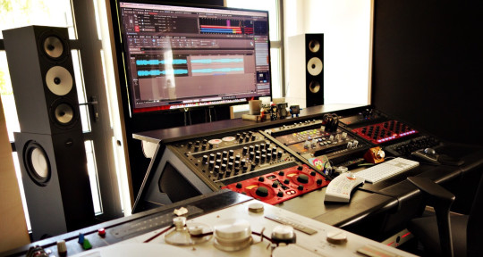 Photo of Dan D'Ascenzo Mastering | LRA