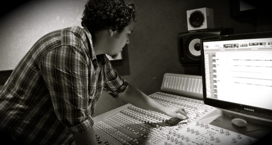 Photo of Joshua Gomez Audio
